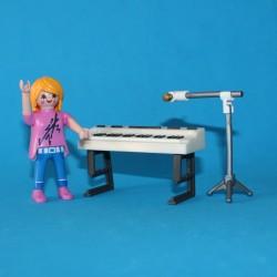 Cantante con órgano -...