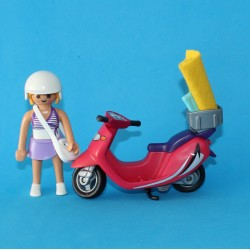 Mujer con Scooter